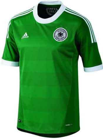 Das DFB Trikot 2012 in grün für die Auswärtsspiele