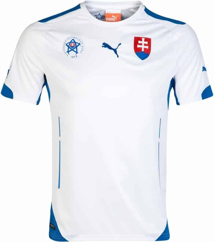 slovakia_home_shirt_2014_2015_01